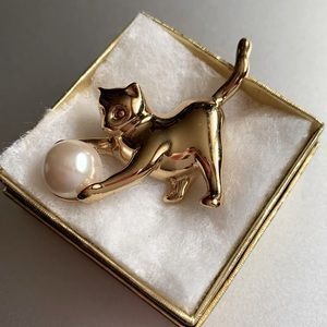 3/$25 Kitten and Faux Pearl Brooch Pin
